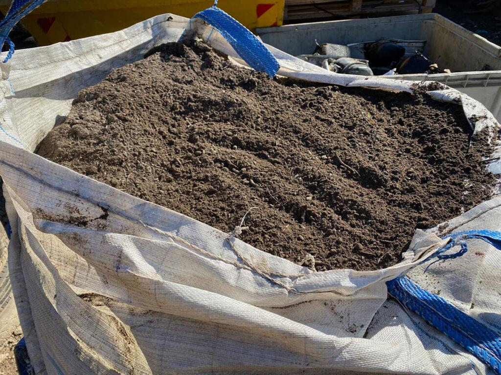 Soil & Loose Loads Skip Hire